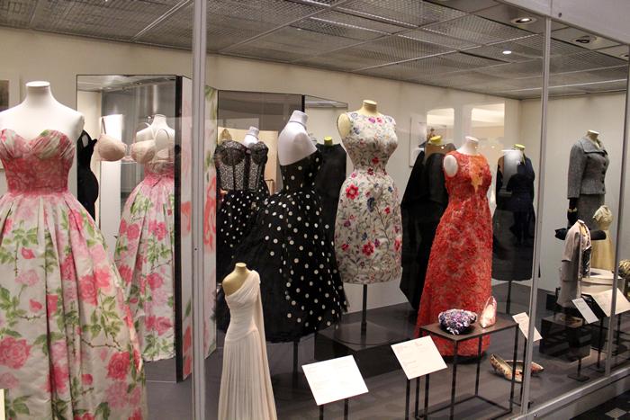 V&A Dresses Pink