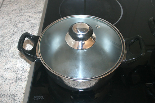 24 - Zweiten Topf mit Wasser  / Bring second pot with water to boil