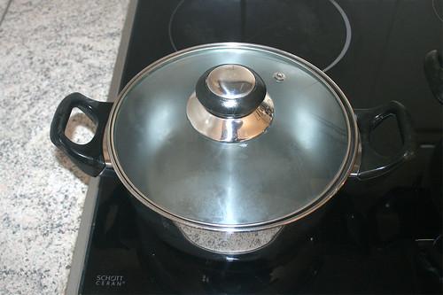24 - Zweiten Topf mit Wasser  / Bring second pot with water to boil