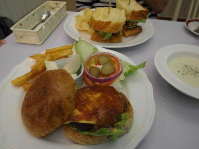 手作哞哞牛漢堡@高雄新興,窩有 fu,真實食材的紮實美味