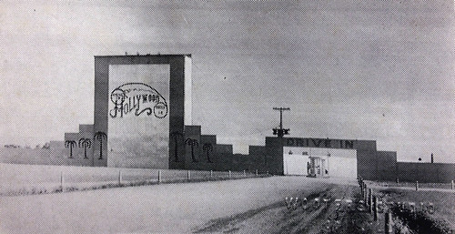 illinois theater theatre bac sandoval vintagephoto hollywooddrivein bloomeramusement