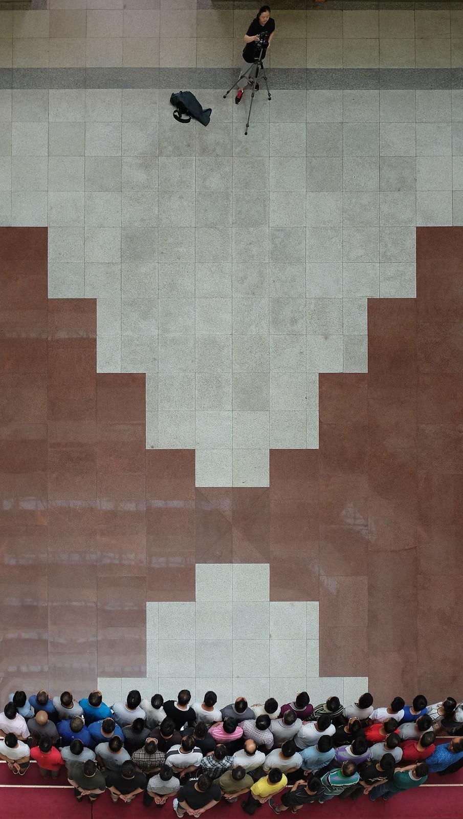 Erinnerungsfoto im HSK-Gebäude
