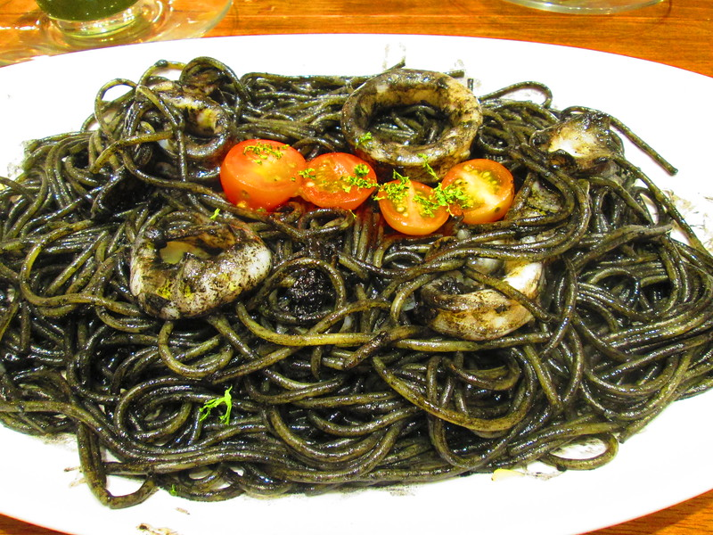 Miam Miam - Squid Ink Pasta 01