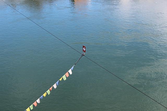 Fähnchen überm Rhein