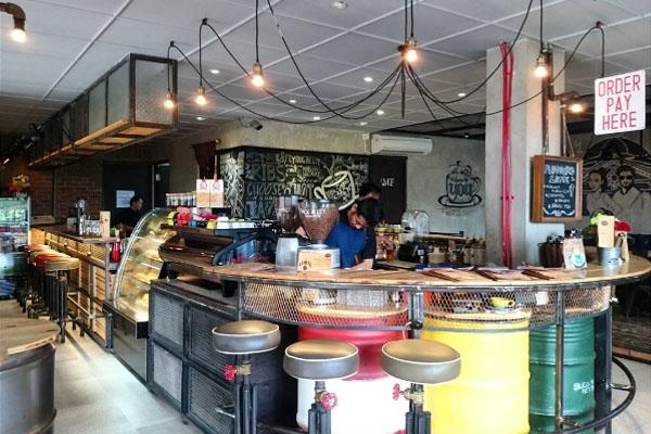 cafe triple seven