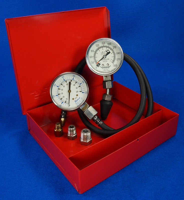 RD14488 Snap On 100 PSI Pressure Gauge Kilopascal in Metal Case with Sears 300 PSI Tester DSC06889