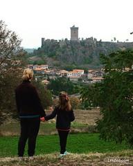 Vue sur le château de Polignac #Polignac #chateau #castle #landscape #travelwithkids #myHauteLoire #myAuvergne #HauteLoire #Auvergne #auvergnerhonealpes #france #jaimelafrance #magnifiquefrance #rendezvousenfrance #igersfrance #digitalnomad #blogvoyage #t