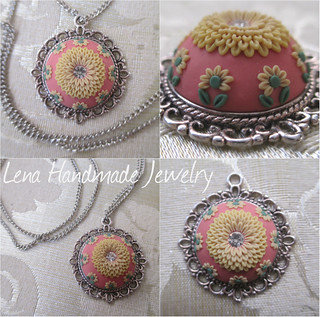 Pendant - gently yellow flower