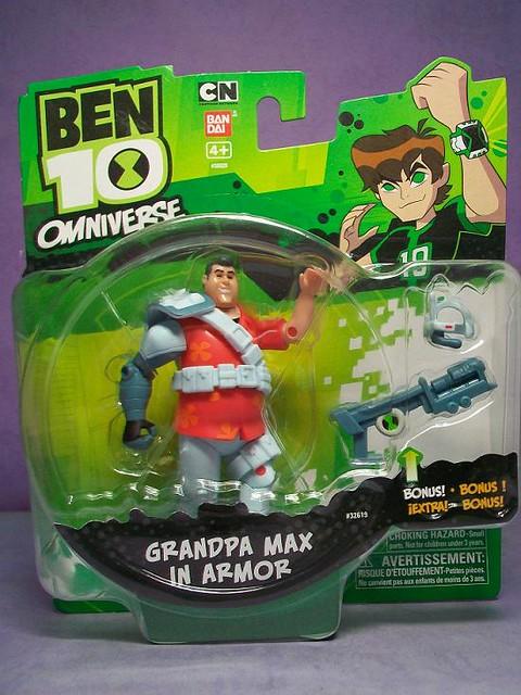 BEN 10 OMNIVERSE Grandpa Max in Armor figureBen 10 Omniverse Max