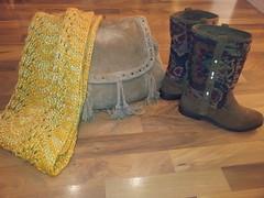 Cuello, botas y bolso 2013