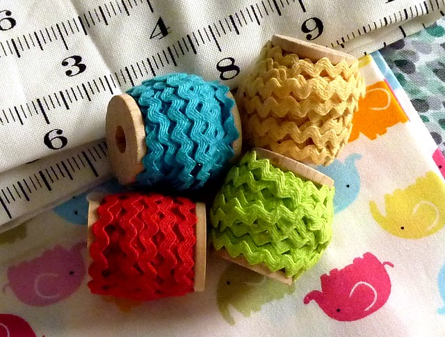 Mini Wooden Spools of Tiny Ric-Rac Trim