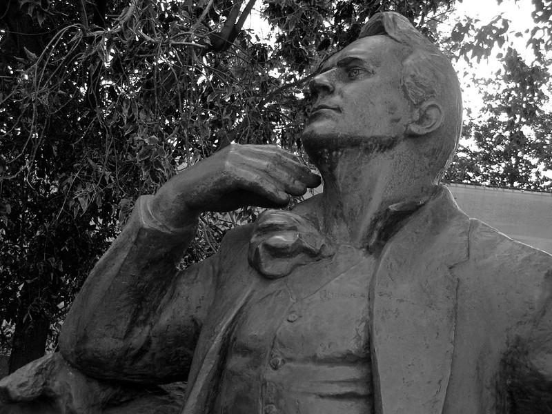 Шаляпин (Monument to Feodor Chaliapin), b&w ver.6