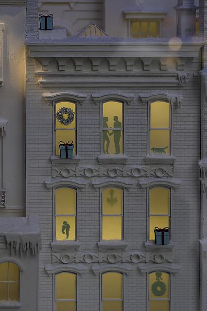 2013 NYC Festive Tiffannys-9
