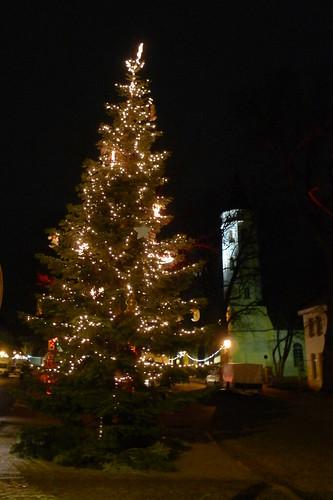 Lichtertanne vor Kreuzkirche