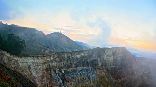 sunrise over the Kelimutu volcano