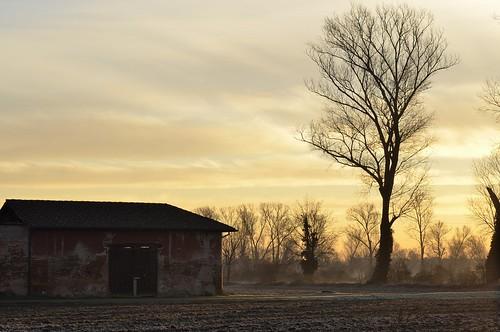 sky italy clouds sunrise countryside alba cascina ruralarchitecture vignate pianurapadana architetturarurale retenate