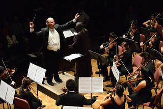 Professor Eric Lindholm leads the Pomona College Orchestra in an October 2013 performance