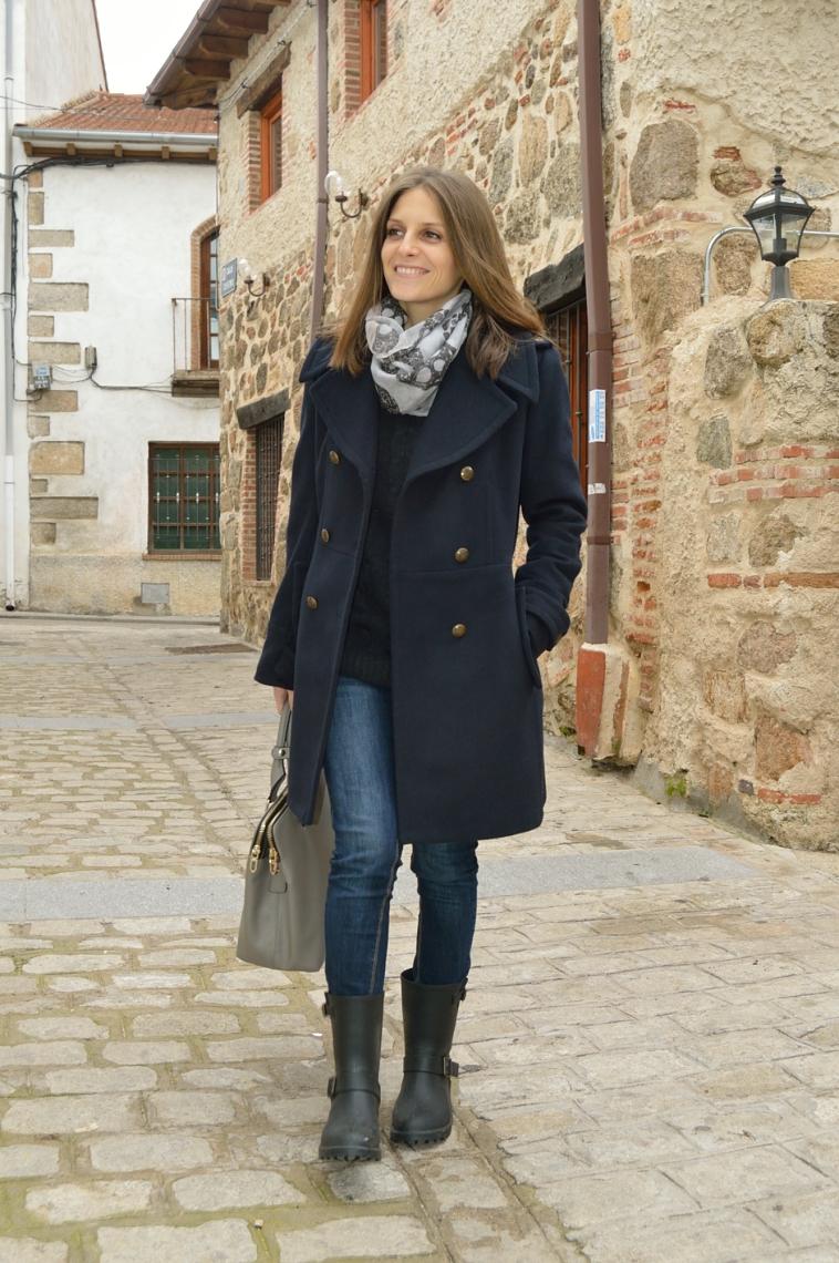 lara-vazquezmadlula-style-blog-chic-fashion-deep-blue-coat