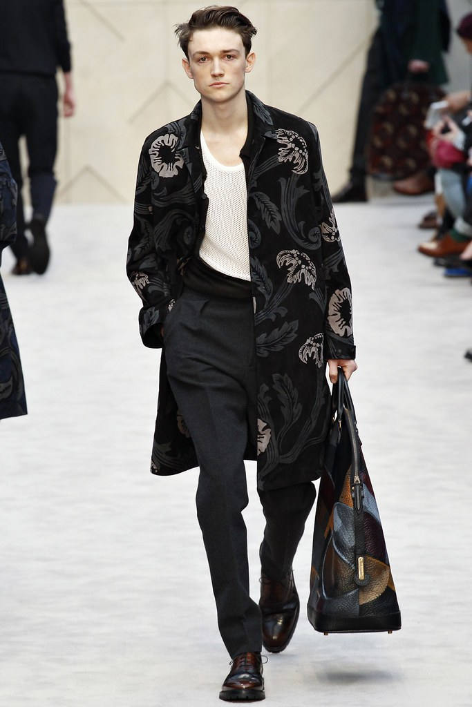 FW14 London Burberry Prorsum030_Joey Rogers(VOGUE)