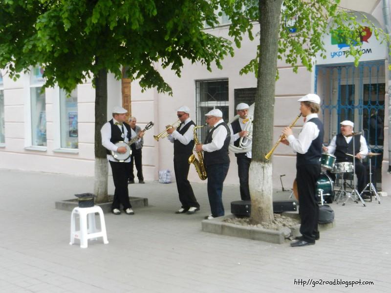 Винница, уличный оркестрик