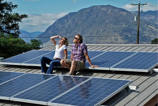1_solar panel casa diarioecologia.jpg