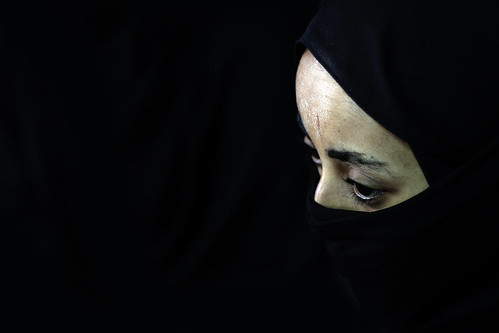 18 years old Atsede Melaku, during the interview with UNICEF donning a full face veil customary in Saudi Arabia.