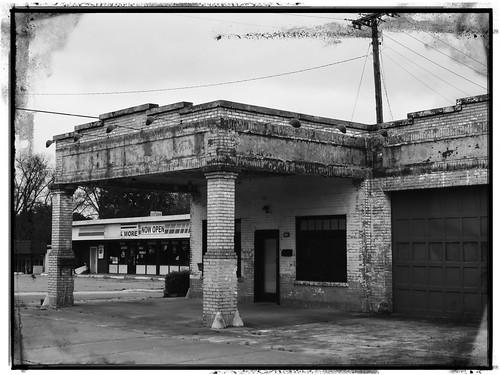 enhanced blackandwhite beebe smalltown arkansas abandoned decay vintageservicestation