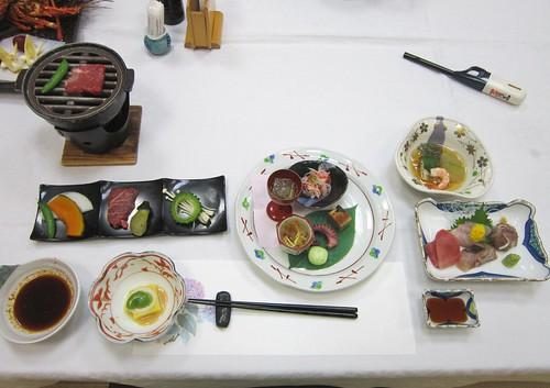 熱海保養所の夕食 2013年6月17日18:06 by Poran111
