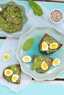 canape with pesto and eggs.1