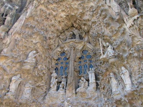 Detalle exterior de La Sagrada Familia: El nacimiento de Cristo