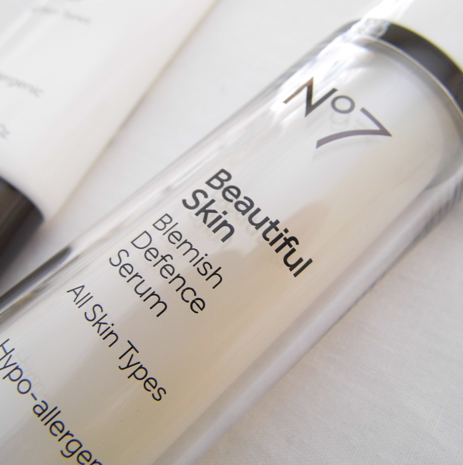 Boots No7 Beautiful Skin Blemish Defence Serum