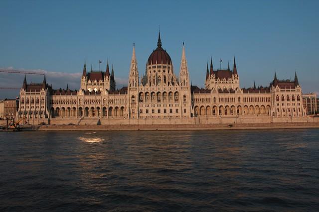 Dal Danubio: il parlamento