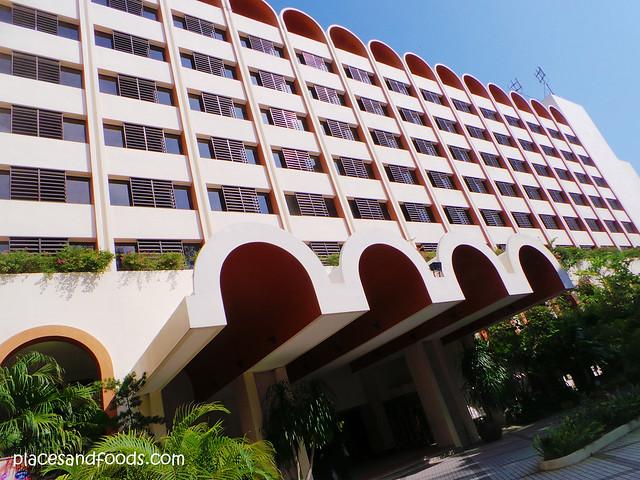 parkroyal penang batu ferringhi hotel entrance