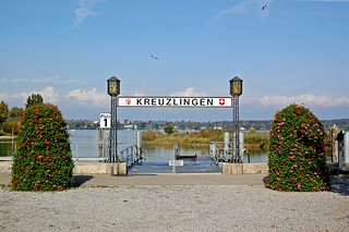 Schiffsanleger am Kreuzlinger Hafen (1)