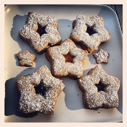 Raspberry, strawberry, apricot & olallieberry sorghum flour linzer tarts! #glutenfreedelicious by The Cookie Man