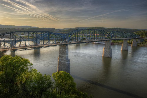 street bridge chris 3 chattanooga river walking photography photo dc high nikon soft downtown kaskel shot tn dynamic d tennessee walnut sigma pedestrian pic pro 5000 range hdr chatt 3shot matix photomatix d5000