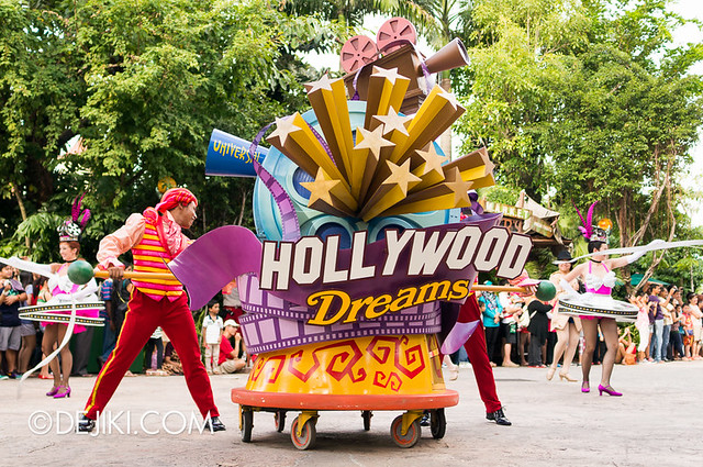 Hollywood Dreams Parade - Rolling Marquee