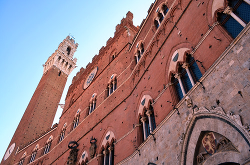Edificio que preside la Plaza del Campo en Siena