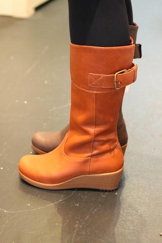 a-leigh leather boot w アレイ レザー ブーツ ウィメン