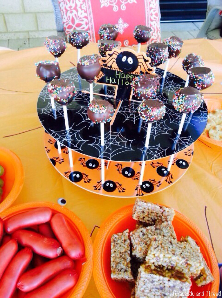 How To Throw A Ghoulish Halloween Party For Little Goblins by Rhapsody and Thread
