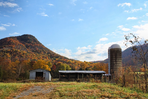 autumn mountain fall tennessee silo clinchmountain
