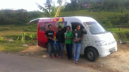 tim rumah dunia on the road mobil KEPEDULIAN 2