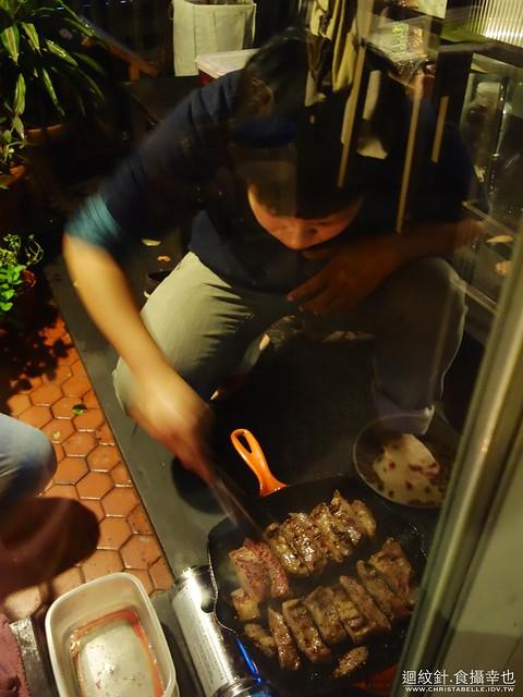 屋頂上的貓私廚