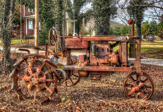 Antique Tractors In Ohio : Antique tractor seen along oh in scioto county ohio
