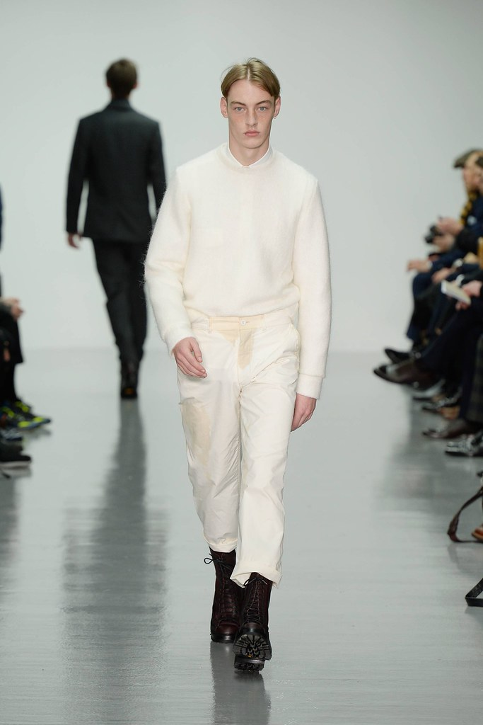 FW14 London Lou Dalton012_Roberto Sipos(VOGUE)