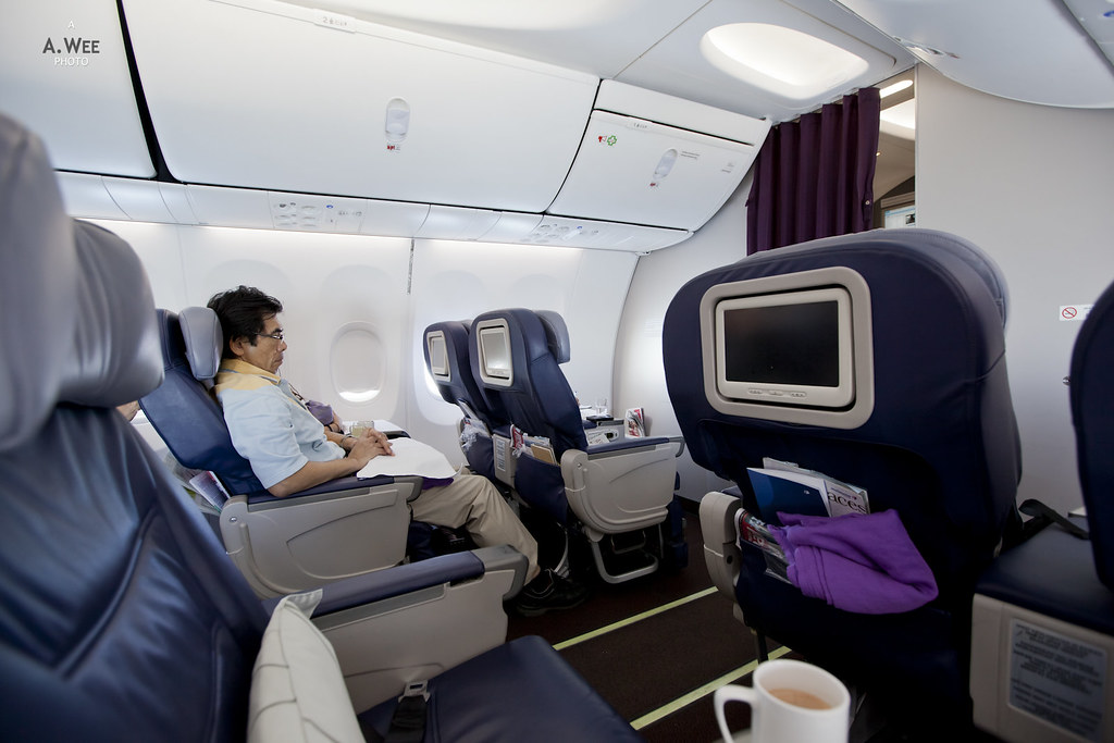 review of malaysia airlines flight from bangkok to kuala. Black Bedroom Furniture Sets. Home Design Ideas
