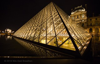 J77A0274 -- Pyramides of the Louvre by night