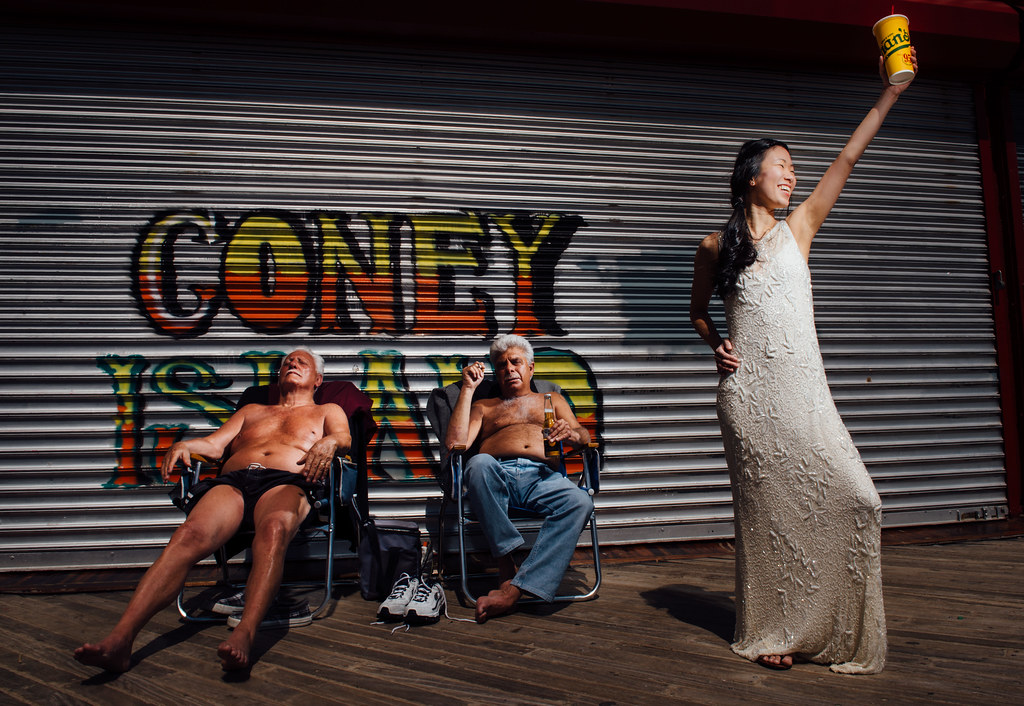The Most Coney Island Wedding Photo Ever