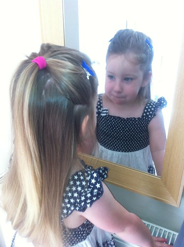 Mirror Lucy