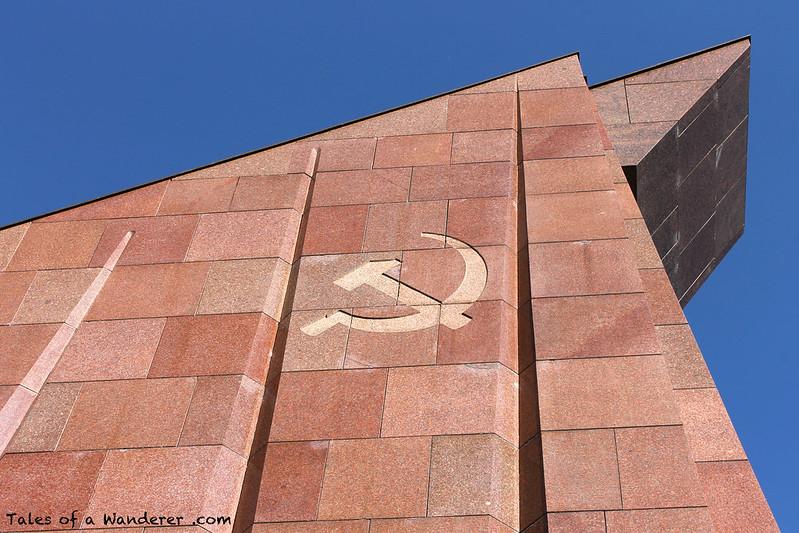 BERLIN - Sowjetische Ehrenmal im Treptower Park